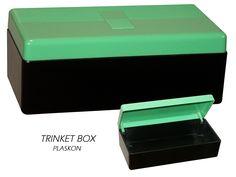Misc - Bakelite or plaskon trinket box with black bottom & hinged green lid.