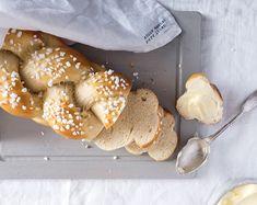 Allerheiligenstriezel - Schmeck's Stuffed Mushrooms, Bread, Vegetables, Food, Oven, Kuchen, Food Food, All Saints Day, Recipies