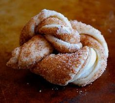 Food I Love: Easy King Cake Knots