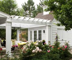 Very nice pergola covered walkway or patio area attaching the main house to the pool house/guest house/tool shed. Like the attention to detail with the addition of a cupola on the pool house (? Br House, Garage House, House Roof, Outdoor Rooms, Outdoor Gardens, Outdoor Living, Formal Gardens, Casas California, Gravel Patio