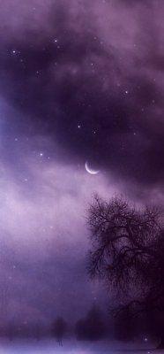 A Cloudy Purple night sky. Purple Sky, Purple Love, All Things Purple, Shades Of Purple, Purple Stuff, Plum Purple, Periwinkle, Wallpaper Tumblrs, Beautiful Moon