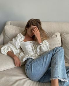 Off Shoulder Blouse, Mom Jeans, Fashion Outfits, Pants, Clothes, Tops, Women, Style Ideas, Girls