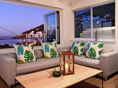 Thank you for considering Bungalow on 4th for your stay in Cape Town. Book with Us for the lowest rates available online, guaranteed!