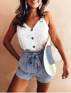 36 The most popular casual outfits to improve your style. - Summer fashion ideas - 36 The most popular casual outfits to improve your style. Fashion Mode, Look Fashion, Fashion Ideas, 80s Fashion, Feminine Fashion, Fashion Hacks, Fashion Outlet, Fashion 2020, Ladies Fashion