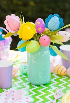 Easter egg flower bouquets - so cute for an Easter party centerpiece!