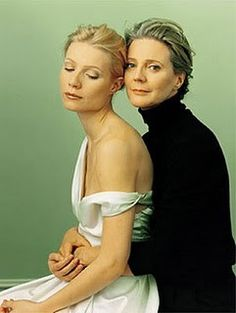 .Annie Leibovitz portrait of two beautiful women - mother and daughter - Gwyneth Paltrow and Blythe Danner