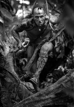 "Mayan warrior from the film ""Apocalypto. Estilo Tribal, Arte Tribal, Aztec Art, Tattoo Film, Rudy Youngblood, Aztec Warrior, Inka, Movies And Series, Kino Film"