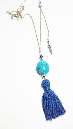 Collier Pendentif Pompon Bleu- Perle résine turquoise -Perle Jade- : Collier par lilou-popette