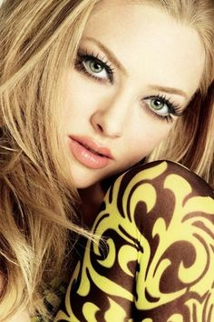 f7c3476c2fc amanda seyfried yellow brocade pants Via Coolspotters Taylor Momsen