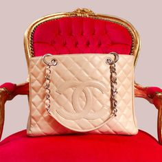 Chic and Seek's pre loved Chanel handbags