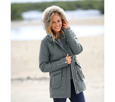 Parka s kapucňou a hrejivou podšívkou Parka, Raincoat, Winter Jackets, Style, Fashion, Rain Jacket, Winter Coats, Swag, Moda