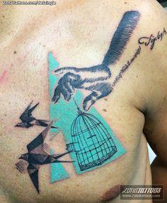 Tatuaje hecho por Fernando de la Iglesia, de Valencia (España). Si quieres ponerte en contacto con él para un tatuaje o ver más trabajos suyos visita su perfil: http://www.zonatattoos.com/delaingle  Si quieres ver más tatuajes o diseños con jaulas visita este otro enlace: http://www.zonatattoos.com/tag/1399/tatuajes-de-jaulas  #tattoos #tatuajes #ink #jaulas