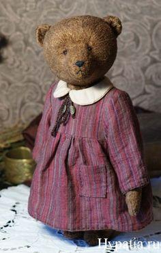 Ретро мишка в платье.