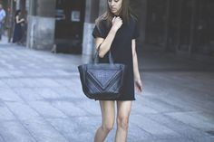 Chic In NYC: Featuring the LRVT Tote & Pullout Clutch | Visual Therapy Blog
