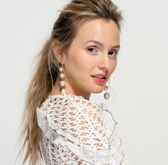 """Leighton Meester on Feminism and Her """"Anti-Gwyneth"""" Beauty Routine Beauty Secrets, Diy Beauty, Beauty Hacks, Beauty Products, The Cw, Gossip Girl, Leighton Meester, Beauty Routines, Feminism"""