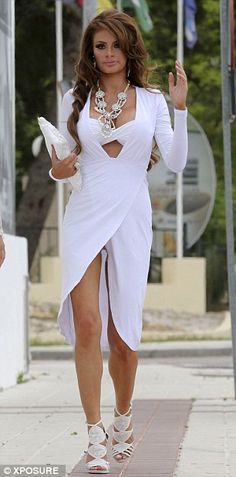 Chloe Sims- all white Chloe Sims, World Most Beautiful Woman, What A Girl Wants, Ludwig, Female Photographers, Perfect Woman, Celebs, Celebrities, Fashion Outfits