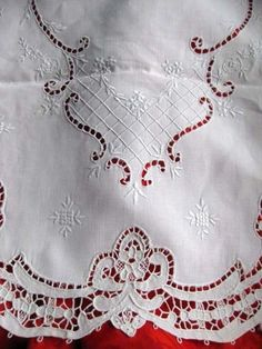 """old vintage Point de Venise LACE HAND EMBROIDERED Linen Table RUNNER 52"""""""