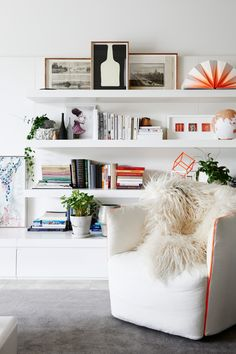 cool bookshelf styling