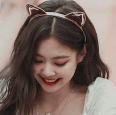 I love her smilleee Kim Jennie, Yg Entertainment, South Korean Girls, Korean Girl Groups, K Pop, Rapper, Blackpink Icons, Savage, Blackpink Members