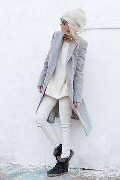 Hoe draag je een witte jeans in de winter-outfit?