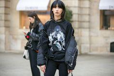 Giorno per giorno, da Parigi, tutto il meglio delle tendenze moda avvistate tra una sfilata e l'altra della