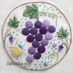 Grapes Crewel Embroidery Pattern por Theflossbox en Etsy