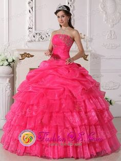 2013-Corinto-Colombia-Gorgeous-Ruffles-Layered-Hot-Pink-Beaded-Decrate-Bust-and-Ruch-Sweet-Quinceanera-Gowns-With-Floor-length-Style-QDZY647...