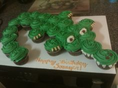 Alligator Cupcake Cake - My son wanted an Alligator cake to take to daycare for his birthday, so I made this one out of cupcakes. They are chocolate chip cupcakes topped with marshmallow buttercream. Alligator Birthday Parties, 4th Birthday Parties, Birthday Cupcakes, 3rd Birthday, School Cupcakes, Birthday Ideas, Halloween Birthday, Wedding Cupcakes, Alligator Cupcakes
