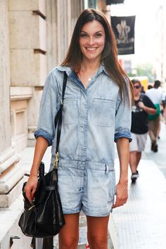 denim-jumpsuit-rompers-street-style-faded-bleached-out-jean-jumper-short-elle-street-chic-black-satchel
