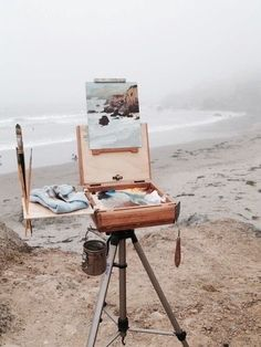 Painting en plein air at the beach. (That means painting outside) :o) Art And Illustration, Landscape Illustration, Studios D'art, Art Hoe, Plein Air, Oeuvre D'art, Strand, Art Inspo, Painting Inspiration