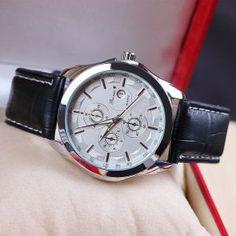 Štýlové ručičkové pánske hodinky s koženým remienkom - strieborné 2ce2c67c795