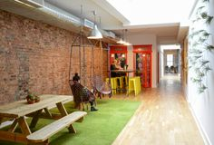A Social Media Agency's Innovative Office Design – Homepolish