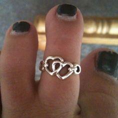 My eternity toe ring:)<3!
