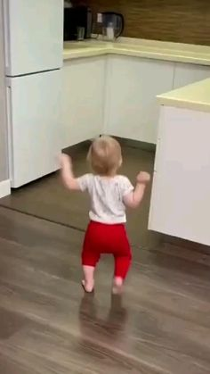 Cute Funny Baby Videos, Crazy Funny Videos, Cute Funny Babies, Funny Videos For Kids, Cute Funny Animals, Funny Laugh, Haha Funny, Hilarious, Cute Baby Wallpaper