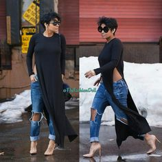 Another boyfriend jeans idea.I have a maxi dress I've been thinking about ripping up the sides to make into one of these tops, hmm. Fashion Moda, Look Fashion, Girl Fashion, Autumn Fashion, Womens Fashion, Chic Outfits, Fall Outfits, Fashion Outfits, Looks Jeans