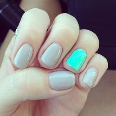 neutral nails + mint accent.
