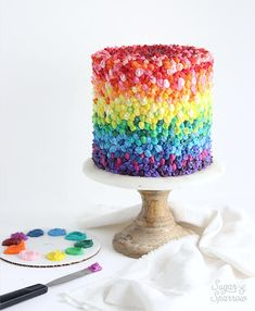 Learn how to make a gradient rainbow cake with colorful buttercream! This cake decorating tutorial and Americolor's Nifty Fifty Kit will make it happen. Pretty Cakes, Cute Cakes, Beautiful Cakes, Amazing Cakes, Creative Cake Decorating, Cake Decorating Tutorials, Creative Cakes, Star Cakes, Colorful Cakes