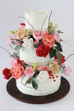 Sharon Wee makes so many beautiful cakes--and she's talented in so many aspects of cake decorating. Here are some of her sugar flowers on buttercream tiers. Gorgeous Cakes, Pretty Cakes, Amazing Cakes, Amazing Art, Cake Wrecks, Bolo Floral, Floral Cake, Bolo Cake, Garden Cakes