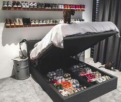 Sneaker Storage Goals 😍That is a collection! Sneaker Storage, Hypebeast Room, Etagere Design, Master Bedroom, Bedroom Decor, Bedroom Ideas, Shoe Room, Room Setup, Dream Rooms