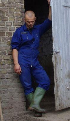Working Men, Wellington Boot, Fit Men, Styles, Mens Fitness, Sexy Men, Overalls, Outdoors, Leather