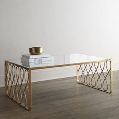 AMAZING COFFEE TABLE | Inspiring coffee tables design in gold and glass | www.bocadolobo.com | #homedecor #homefurniture #luxuryfurniture #furnitureinspiration
