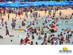 #infoacapulco Miles de turistas visitan Acapulco cada año. INFORMACIÓN SOBRE ACAPULCO. El puerto de Acapulco es visitado por miles de turistas cada año, tanto nacionales como extranjeros, incluso hay semanas como la Santa, que llegan aproximadamente entre 50 mil y 30 mil visitantes. Así como periodos vacacionales como el de fin de año, en el que llegan cientos de miles. Te invitamos a conocer el hermoso puerto de Acapulco. www.fidetur.guerrero.gob.mx