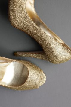 gold glitter shoes!! #shoes