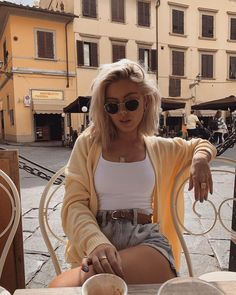 Summer vibes in 🌿☀️ Looks Vintage, Style Vintage, Looks Style, Looks Cool, Spring Summer Fashion, Spring Outfits, Mode Outfits, Casual Outfits, Laura Jade Stone