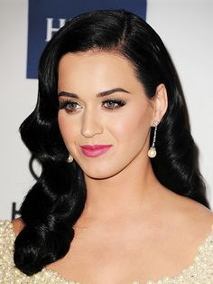 21 Reasons Katy Perry is the Queen of Hair Transformations via @byrdiebeauty
