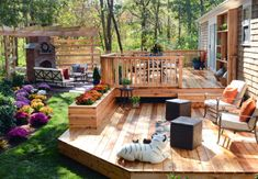 15 Before-and-After Backyard Makeovers A sprawling cedar deck and brick patio anchored by an outdoor fireplace and pergola provide ample space for alfresco dining and relaxing with friends or family. To soften all the hardscape, Chris Lambton and c Small Backyard Landscaping, Backyard Patio, Landscaping Ideas, Decking Ideas, Landscaping Software, Rustic Backyard, Sloped Backyard, Backyard Privacy, Nice Backyard