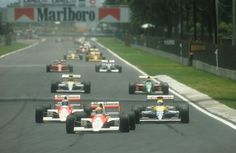 1990 Mexican Grand Prix. Mexico City, Mexico. 8-10 June 1990. Ayrton Senna leads Gerhard Berger (both McLaren MP4/5B Honda's), Riccardo Patrese, Thierry Boutsen (both Williams FW13B Renault's) and Nelson Piquet (Benetton B190 Ford) at the start.