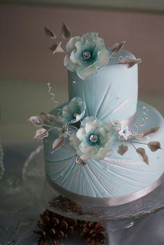 Winter magic dessert table - winter cake