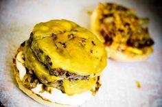 Zsírt kíván vagy bejglit? Hamburger, Ethnic Recipes, Food, Culture, Eten, Hamburgers, Meals, Loose Meat Sandwiches, Diet