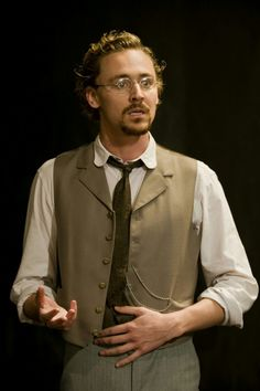 Tom Hiddleston as Lvov in Ivanov.